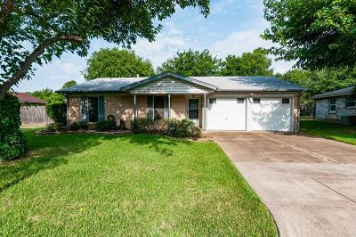 North Richland Hills Single Family Home For Sale: 4905 Wyoming Trail