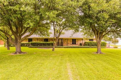 Waxahachie Single Family Home For Sale: 136 Royal Park Lane