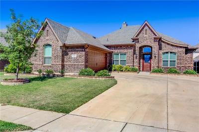 Fort Worth Single Family Home For Sale: 4925 Breezewind Lane