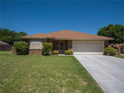 Fort Worth Single Family Home For Sale: 324 Suttonwood Drive