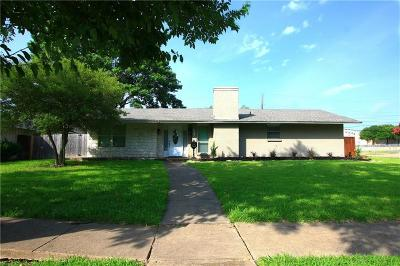 Single Family Home For Sale: 13904 Rolling Hills Lane