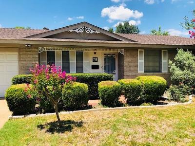 Grand Prairie Single Family Home For Sale: 718 Cranbrook Lane
