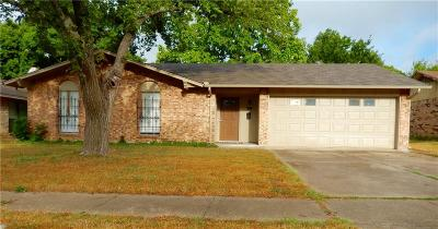 Duncanville Single Family Home For Sale: 1315 Candlelight Avenue