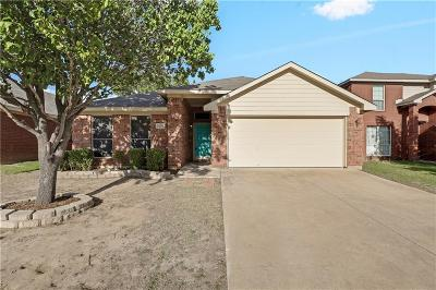 Fort Worth Single Family Home For Sale: 2404 Rushing Springs Drive