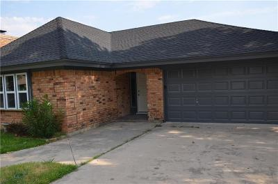 Keller Single Family Home For Sale: 324 Shawnee Trail