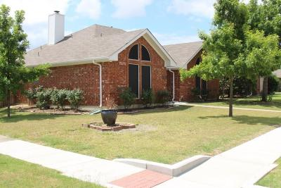 Denton Single Family Home Active Option Contract: 420 Foxwood Circle