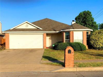 Fort Worth TX Single Family Home For Sale: $179,999