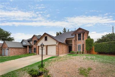 Grapevine Single Family Home For Sale: 1544 Dublin Circle