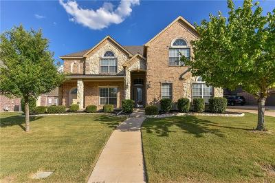 Mansfield Single Family Home For Sale: 505 Montclaire Drive