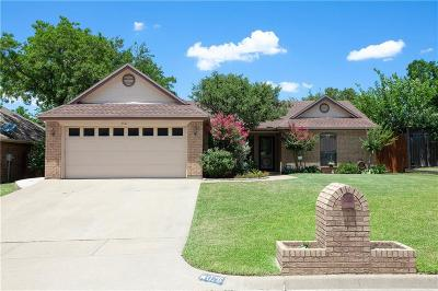 North Richland Hills Single Family Home For Sale: 6761 Ridgetop Road