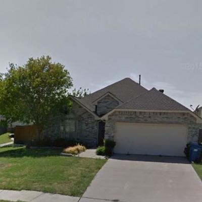 Rockwall Single Family Home For Sale: 141 Walnut Lane