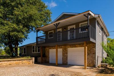 Joshua Single Family Home For Sale: 2404 Wild Oaks Avenue