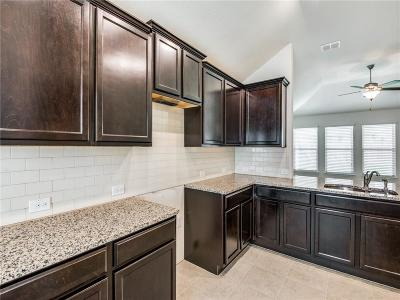 Fort Worth TX Single Family Home For Sale: $215,224