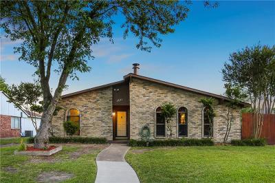 Grand Prairie Single Family Home For Sale: 1821 Sandra Lane