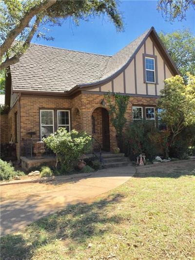 Breckenridge Single Family Home For Sale: 1009 W Williams Street
