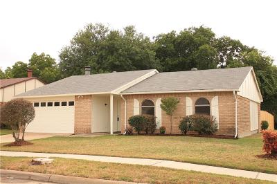 Grand Prairie Single Family Home For Sale: 4702 Independence Trail