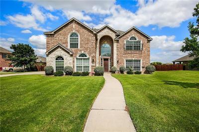 Benbrook, Fort Worth, White Settlement Single Family Home For Sale: 13732 Alterna Drive