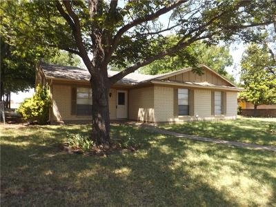Red Oak Single Family Home For Sale: 709 Live Oak Court