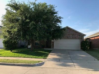 Fort Worth Single Family Home For Sale: 2029 Haylee Drive