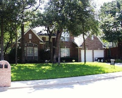 Grapevine Residential Lease For Lease: 2705 Brittany Lane