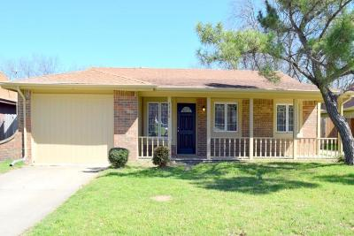 Haltom City Residential Lease For Lease: 5536 Dunson Drive