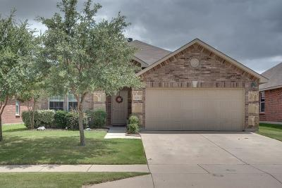 Fort Worth TX Single Family Home For Sale: $210,000