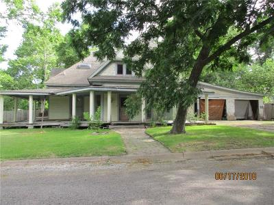 Farmersville Single Family Home For Sale: 301 E Santa Fe Street