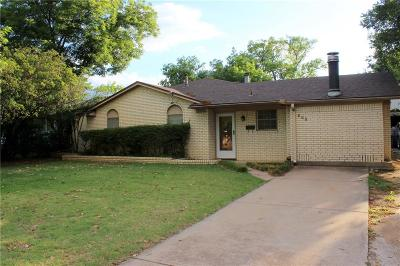Single Family Home For Sale: 605 S Daugherty
