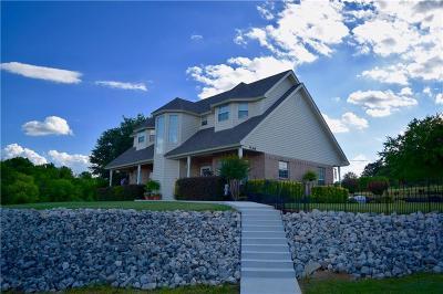 Runaway Bay Single Family Home For Sale: 536 Balboa Drive E