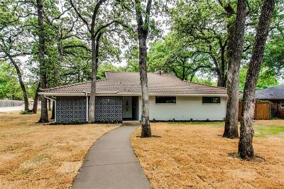 Euless Single Family Home For Sale: 1307 Pebble Creek Drive