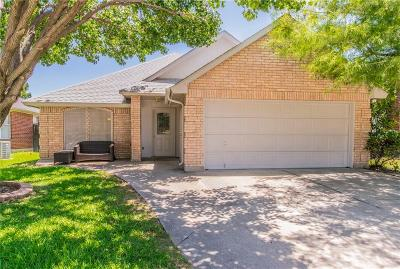 Haltom City Single Family Home For Sale: 4268 Maryanne Place