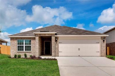 Johnson County Single Family Home For Sale: 144 Alamo Way