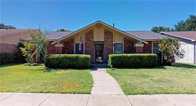 Carrollton Single Family Home For Sale: 1812 Clear Creek Lane