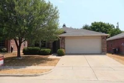 Fort Worth Single Family Home For Sale: 16424 Red River Lane