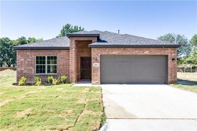 Hurst Single Family Home For Sale: 324 E Pecan Street