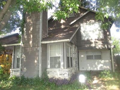 Dallas TX Single Family Home For Sale: $131,000