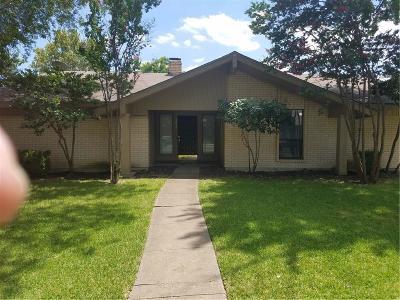 Garland Single Family Home For Sale: 1034 E Holland Drive E