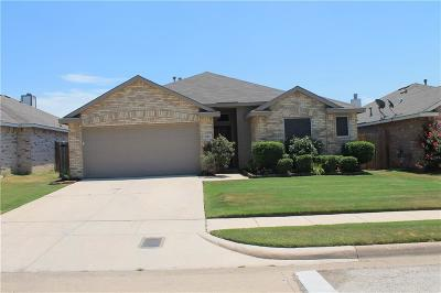 Fort Worth Single Family Home For Sale: 4724 Barnhill Lane