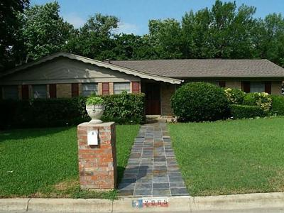 Bedford, Euless, Hurst Single Family Home For Sale: 2065 Shady Brook Drive