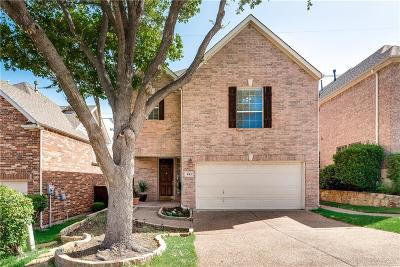 Irving Single Family Home For Sale: 443 Poplar Lane E