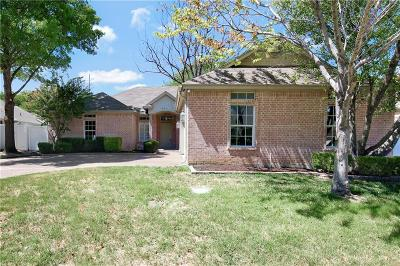 Benbrook Single Family Home For Sale: 6624 Meadowpark Court