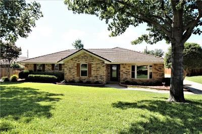 Trophy Club Single Family Home For Sale: 25 Crestwood Drive