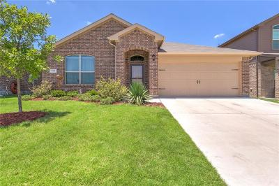 Azle Single Family Home Active Contingent: 152 Tall Meadow Street
