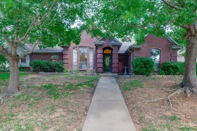 North Richland Hills Single Family Home For Sale: 7948 Kendra Lane