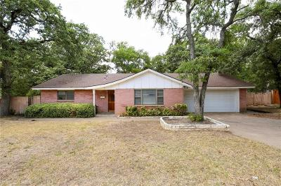 Euless Single Family Home For Sale: 506 Sunset Drive