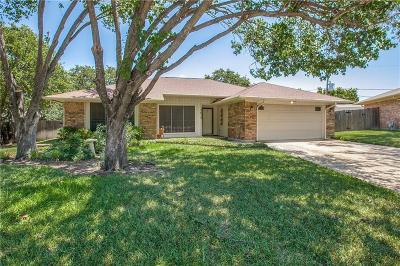 Arlington Single Family Home For Sale: 3615 Hialeah Drive