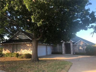 Benbrook Single Family Home Active Option Contract: 7101 Lost Horizon Drive