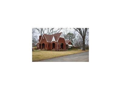 Van Single Family Home For Sale: 251 E Pennsylvania Avenue