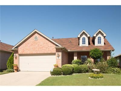 Fort Worth Single Family Home For Sale: 2113 Haylee Drive