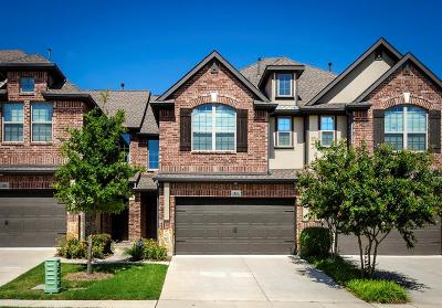Plano Townhouse For Sale: 921 Brookville Court